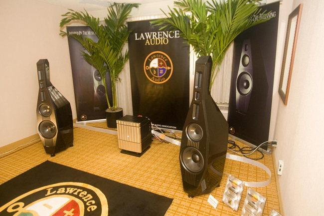 Jeff Rowlandmodel 825, Lawrence AudioDouble Bass